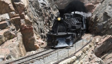 Cumbres_Toltec_Scenic_Railroad_12_train_out_of_tunnel