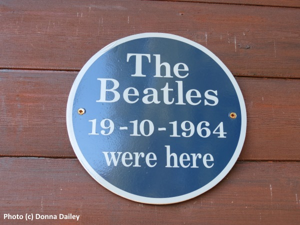 Four_Seasons_Hotel_Loch_Earn_8_Beatles_Chalet_sign