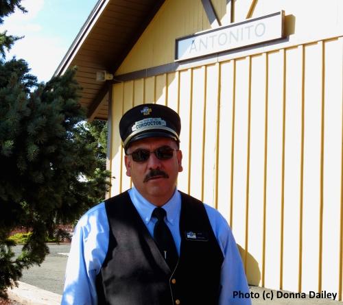 Cumbres_Toltec_Scenic_Railroad_1_conductor_Ray_Martinez
