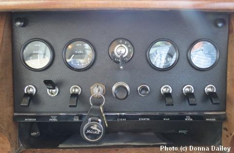 Jaguar_dashboard